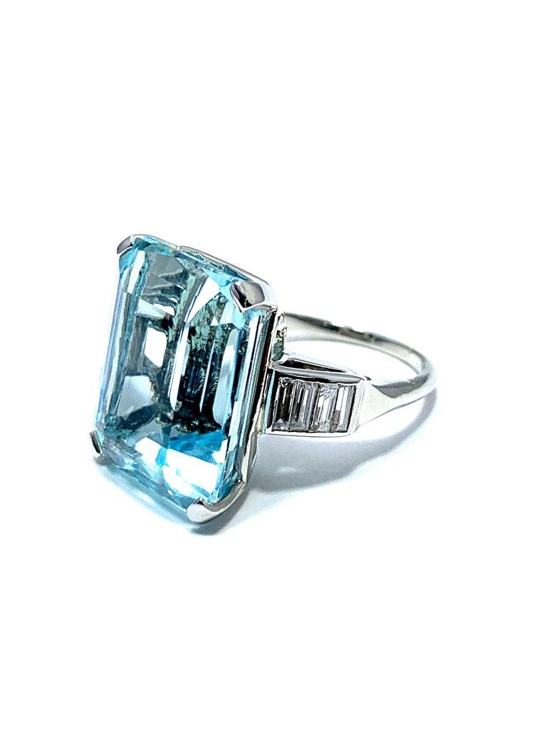 Retro 16.60 Carat Aquamarine and Emerald Cut Diamond White Gold Cocktail Ring For Sale
