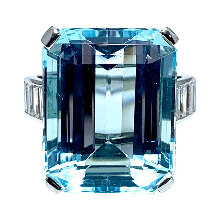 16.60 Carat Aquamarine and Emerald Cut Diamond White Gold Cocktail Ring For Sale