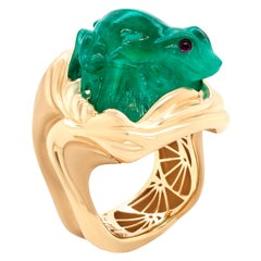 16.67 Carat Carved Russian Emerald 18 Karat Yellow Gold Cocktail Fashion Ring
