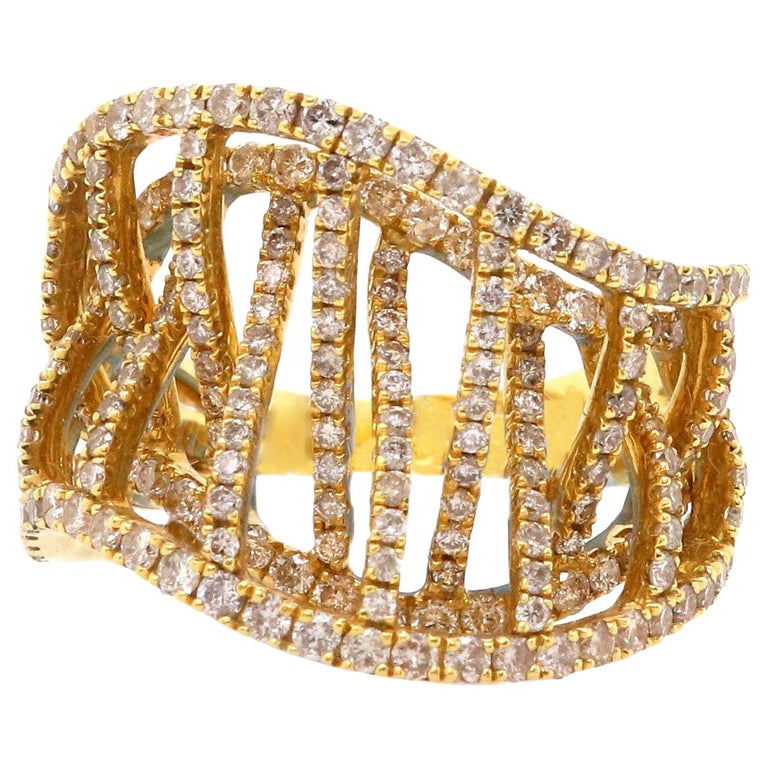 1.67 Carat Round White Diamond Ring Fashion Cocktail Band 18K Yellow Gold For Sale