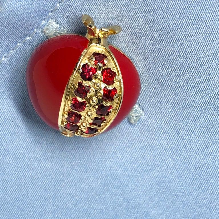1.67 Carat Ruby Red Enamel Pomegranate Shaped Rock Crystal Back Gold Cufflinks For Sale 6