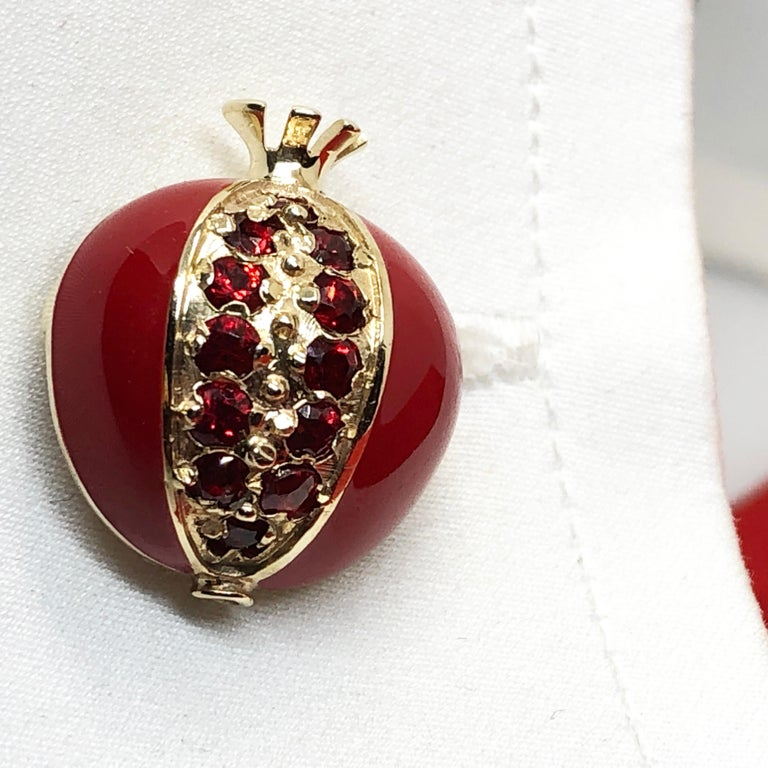 1.67 Carat Ruby Red Enamel Pomegranate Shaped Rock Crystal Back Gold Cufflinks For Sale 7