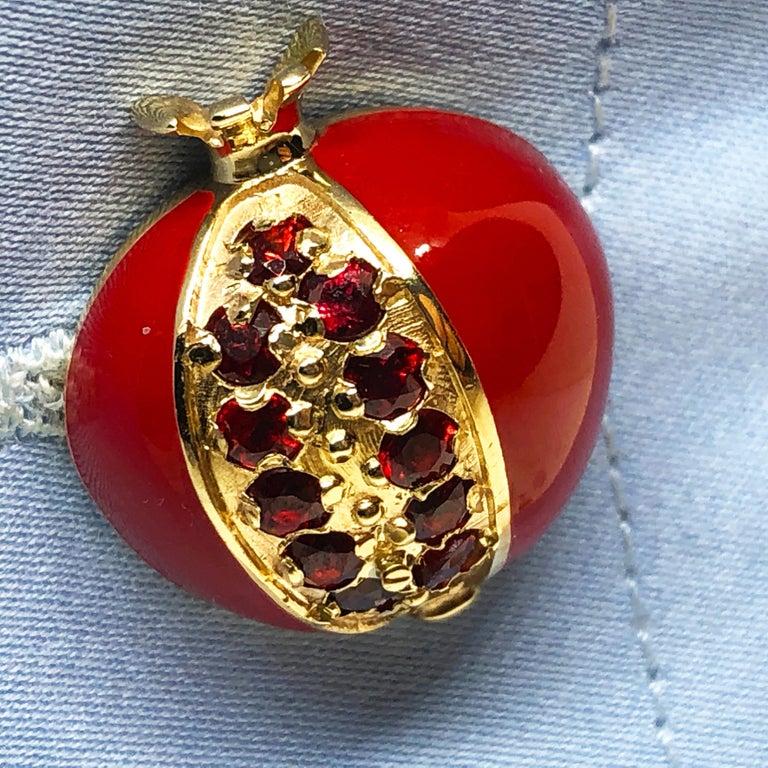 1.67 Carat Ruby Red Enamel Pomegranate Shaped Rock Crystal Back Gold Cufflinks For Sale 8