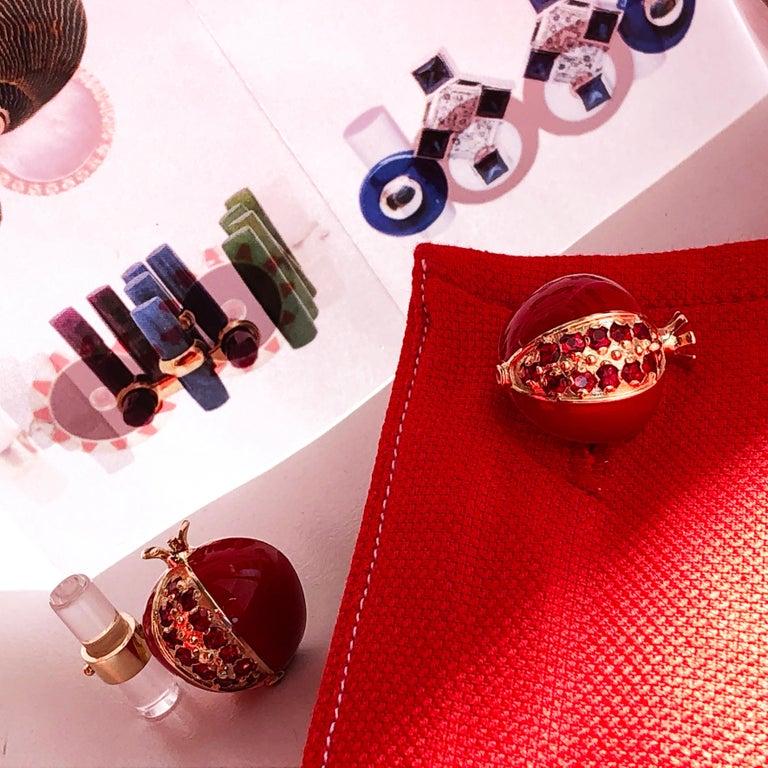 1.67 Carat Ruby Red Enamel Pomegranate Shaped Rock Crystal Back Gold Cufflinks For Sale 9