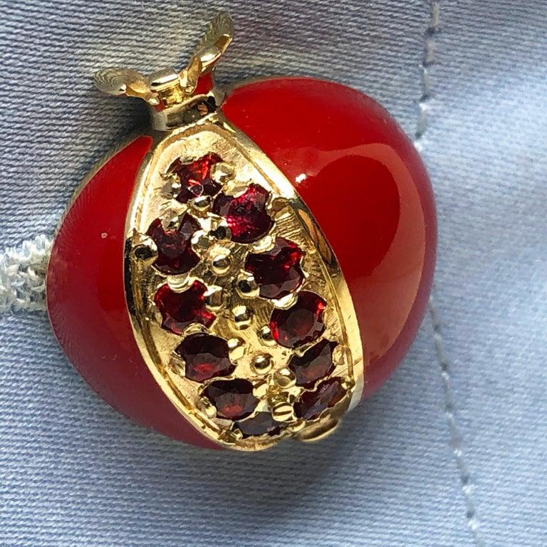1.67 Carat Ruby Red Enamel Pomegranate Shaped Rock Crystal Back Gold Cufflinks For Sale 2