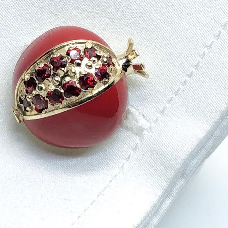 1.67 Carat Ruby Red Enamel Pomegranate Shaped Rock Crystal Back Gold Cufflinks For Sale 4
