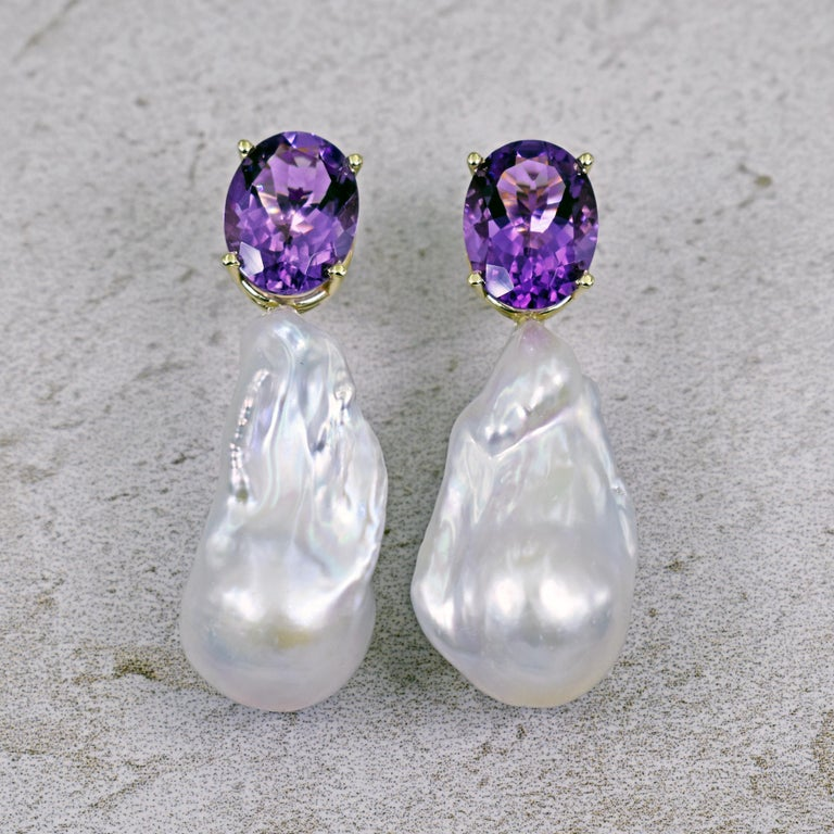 Contemporary 16.79 Carat Amethyst and Baroque Pearl 14 Karat Gold Drop Stud Earrings For Sale
