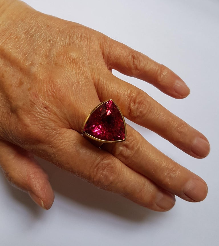 16.84 Carat Rubellite Red Gold Ring by Georg Spreng For Sale 1