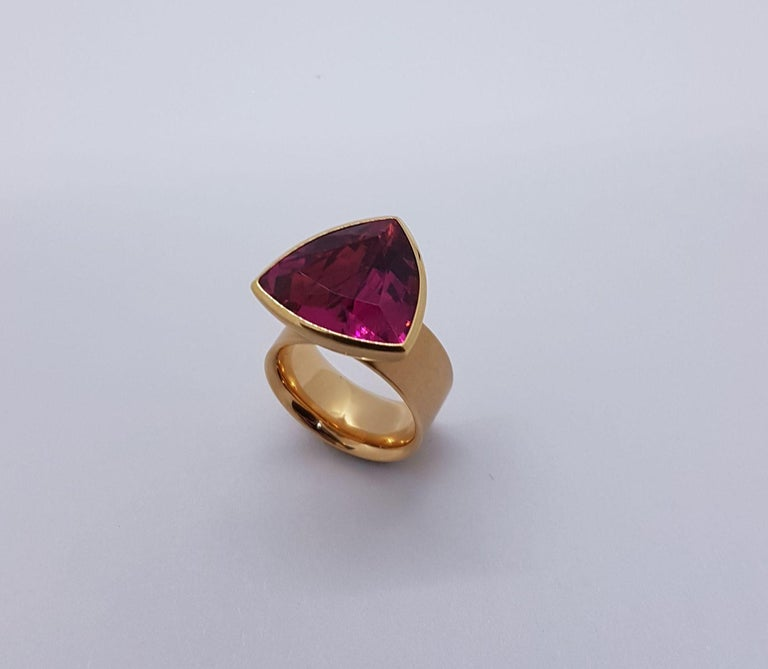 16.84 Carat Rubellite Red Gold Ring by Georg Spreng In New Condition For Sale In Berlin, DE