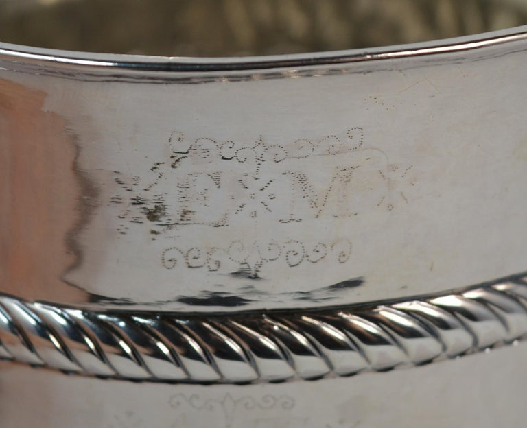 1692 William & Mary Robert Tumbrell Large Solid Silver Porringer Bowl For Sale 1