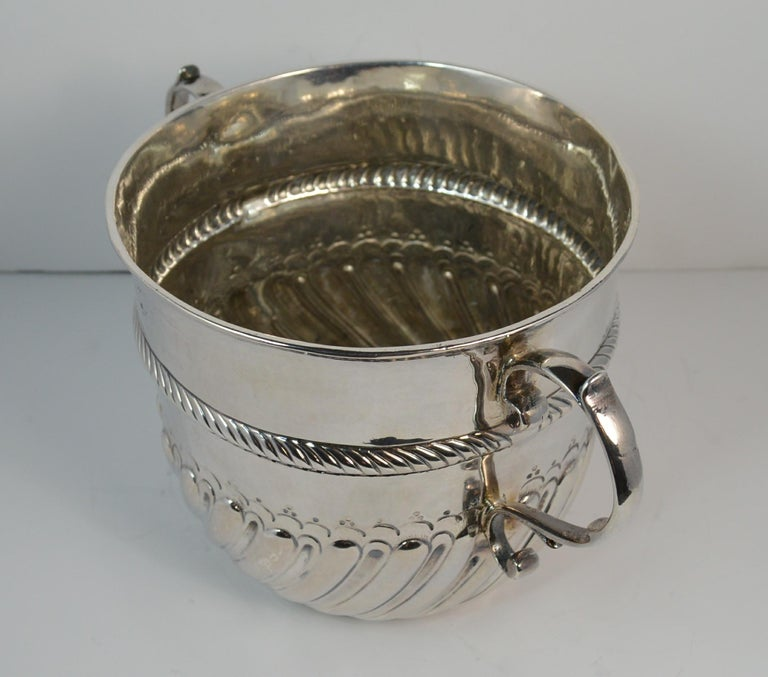 1692 William & Mary Robert Tumbrell Large Solid Silver Porringer Bowl For Sale 4