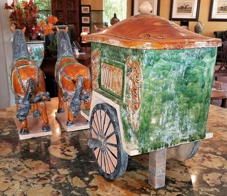 Ming Style Horses and Carriage In Good Condition For Sale In Dallas, TX