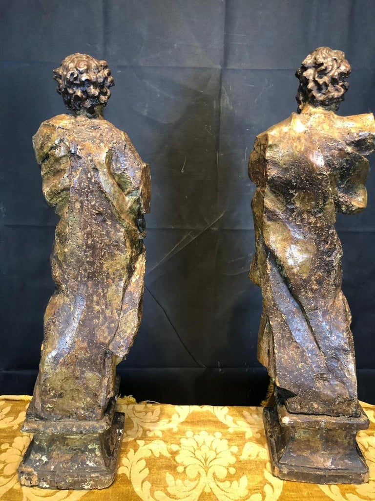16th Century a Large Scultpure Representing Two Apostles For Sale 1