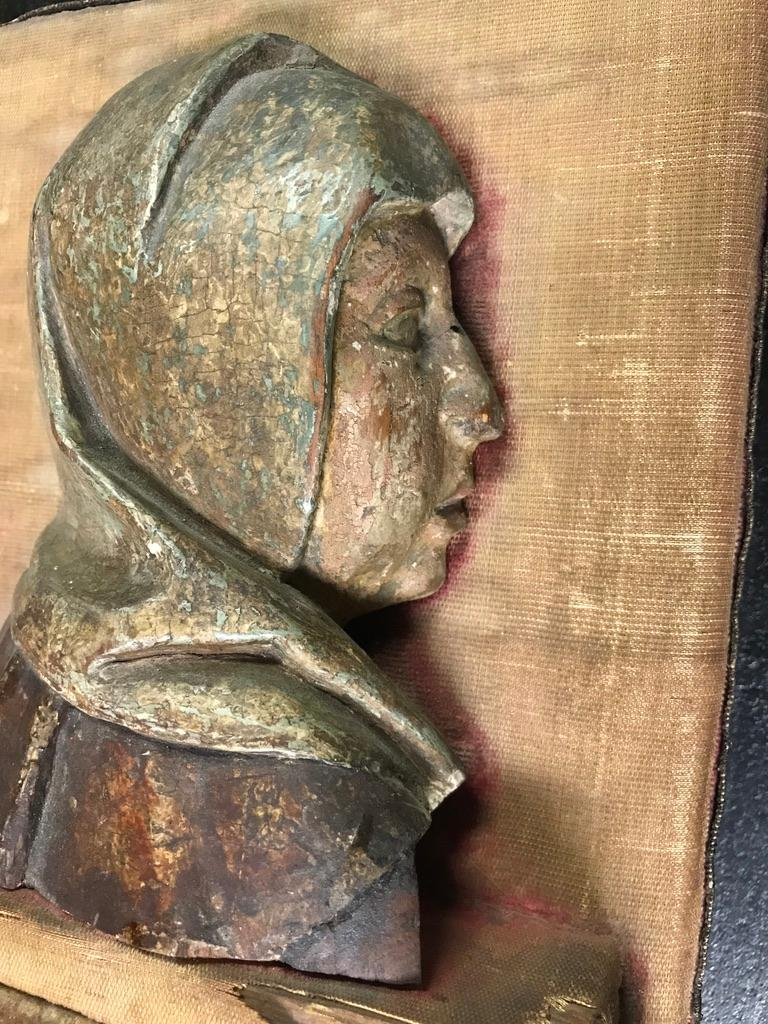 16th Century Flemish Carving of the Madonna For Sale 8
