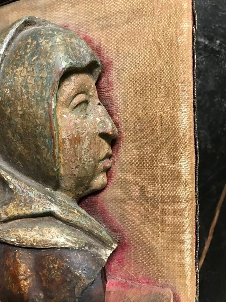 Dutch 16th Century Flemish Carving of the Madonna For Sale