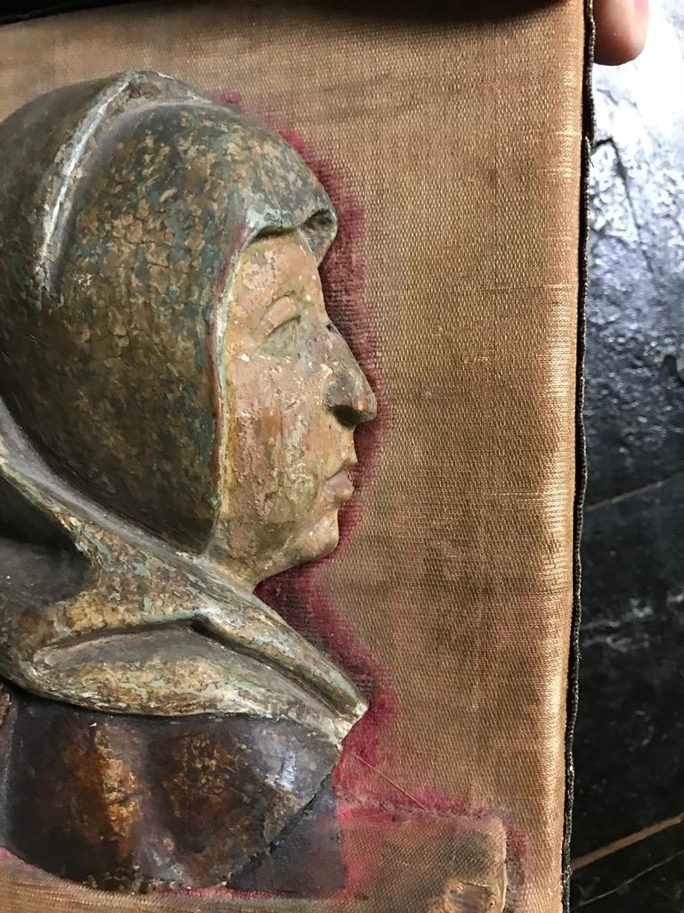 Hand-Carved 16th Century Flemish Carving of the Madonna For Sale