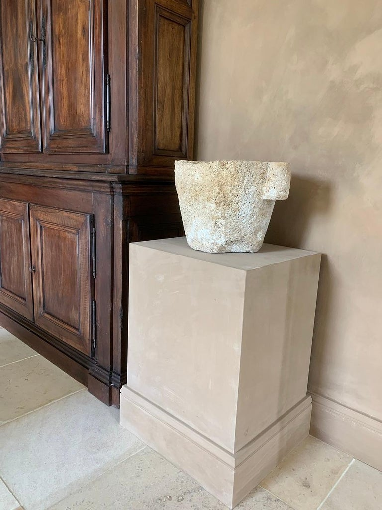 16th Century French Sandstone Mortar In Good Condition For Sale In Vosselaar, BE