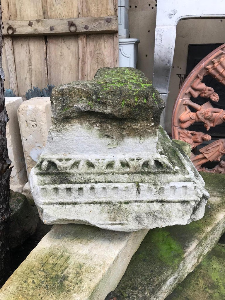 Very rare Renaissance capital of the 16th century corner carved limestone Chapiteau from a Cloister in France. From an ornamental point of view, it is the coronation, the upper part of a post, a column, a pilaster, a pillar, Architectural element.