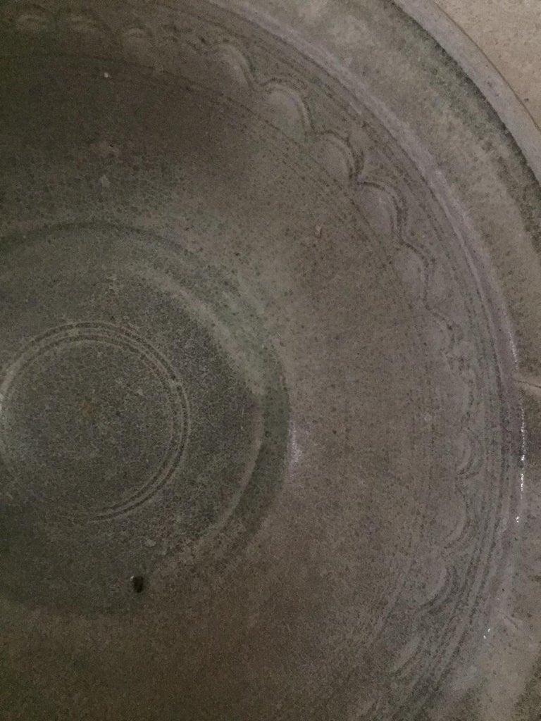 16th Century Sawankhalok Thai Celadon Dish For Sale 1