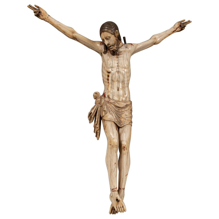 16th Century Sinhalese-Portuguese Polychrome Ivory Crucifix For Sale