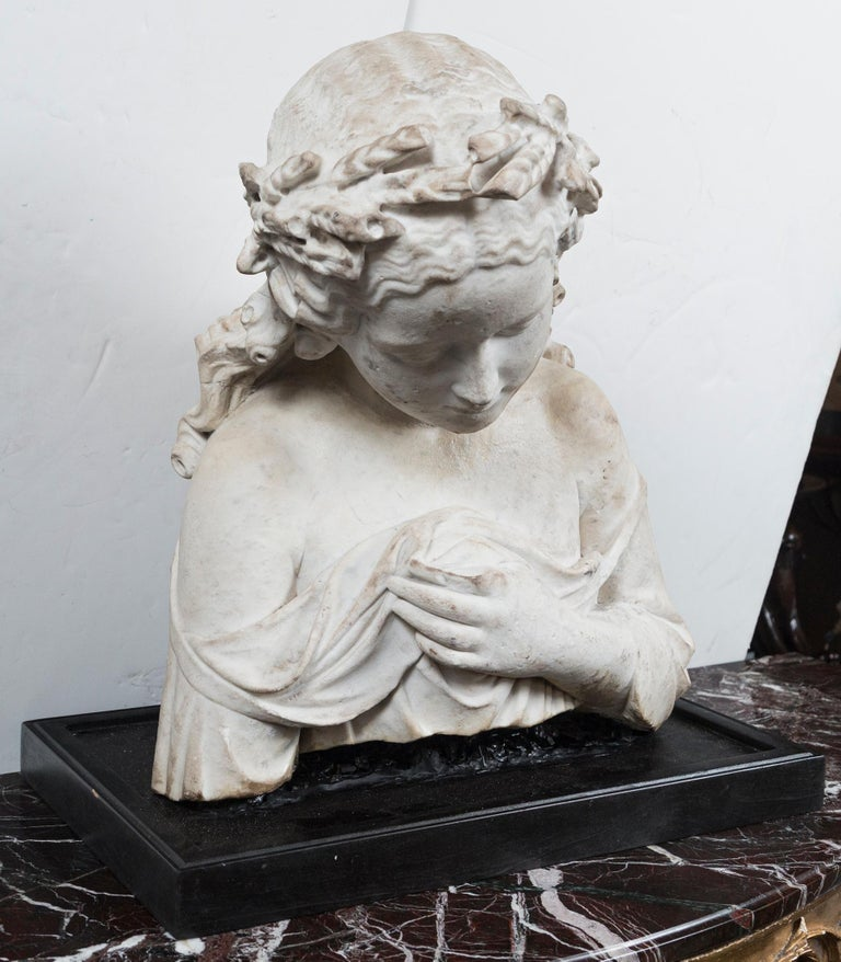 Hand-Carved 17/18th Century Marble Bust of Young Woman For Sale
