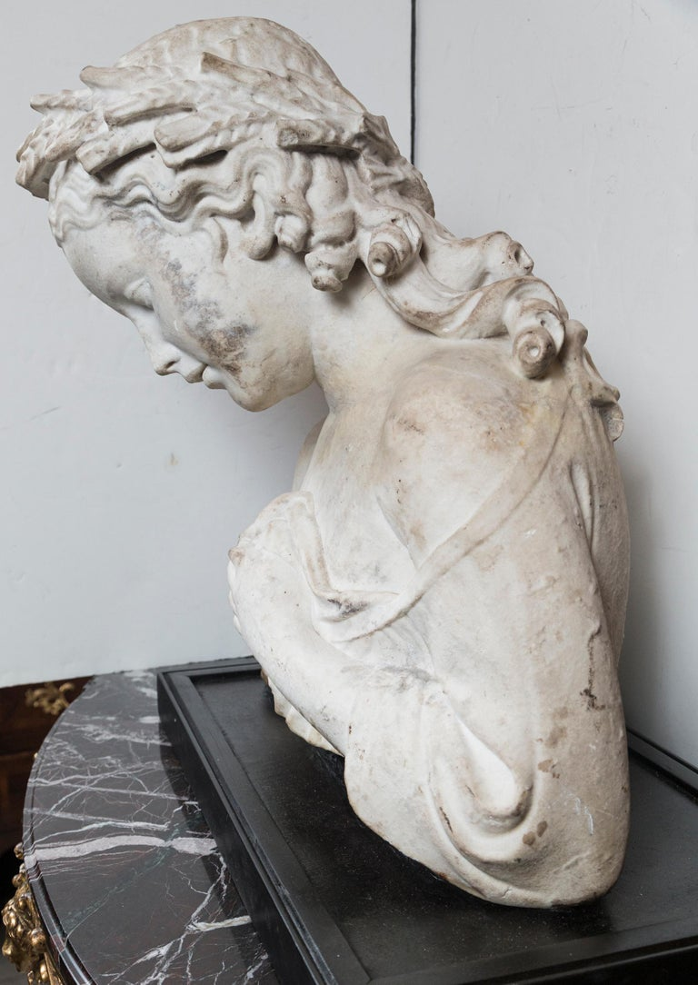 17/18th Century Marble Bust of Young Woman For Sale 1