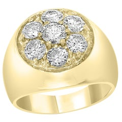 1.7 Carat, 7 Diamonds Traditional Men's Ring 14 Karat Yellow Gold Ring Estate