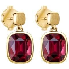 17 Carat Burgundy Rhodolite Garnet 18 Karat Yellow Matte Gold Earrings