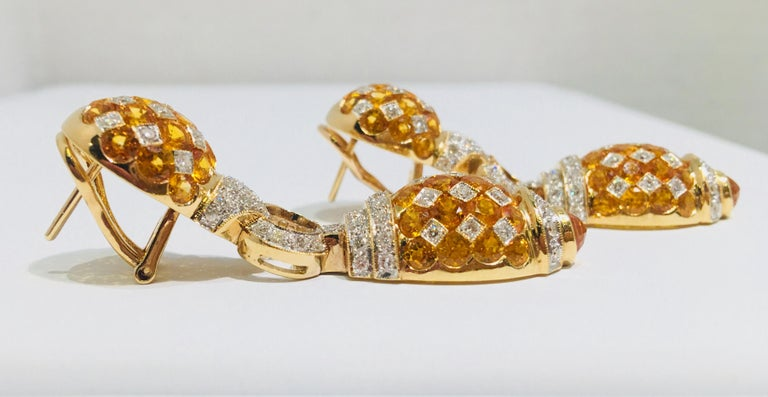 17 Carat Yellow Sapphire and Diamond Harlequin Yellow Gold Door Knocker Earrings In Excellent Condition For Sale In Tustin, CA