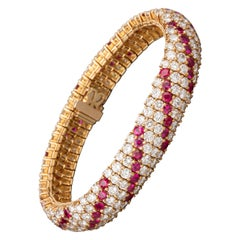 17 Carat Diamonds and 7.70 Carat Rubies Boucheron Paris Bracelet