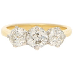 Three Stone Ring in 18ct Yellow Gold