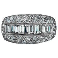 1.70 Carat VVS-SI1 Diamond 18 Karat White Gold Band Cocktail Ring Round Baguette