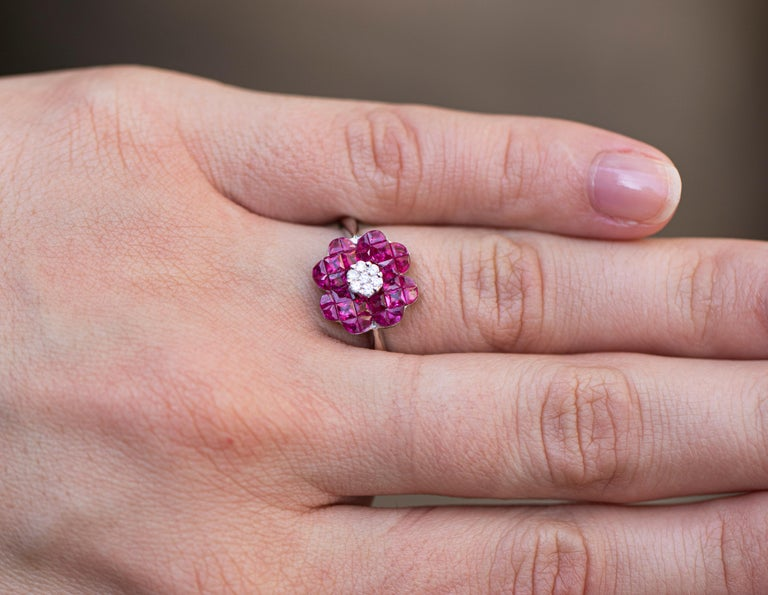 18K Gold Ring 32 Rubies = 1.70 Carats 7 Diamonds = 0.10 Carats