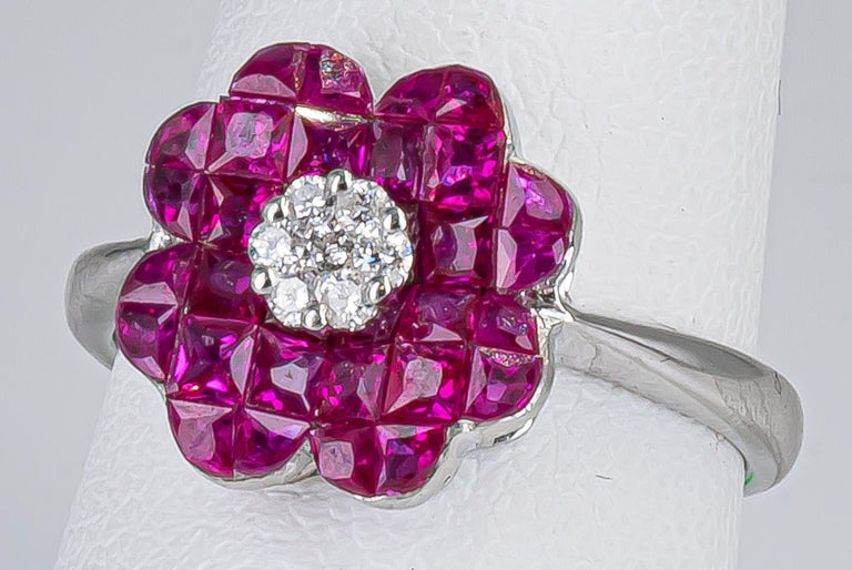 Round Cut 1.70 Carat Ruby Ring with Diamonds 18 Karat Gold For Sale