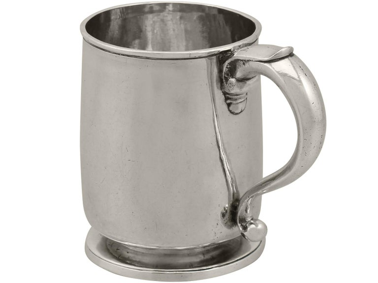 1700s Georgian Britannia Standard Silver Mug In Excellent Condition For Sale In Jesmond, Newcastle Upon Tyne
