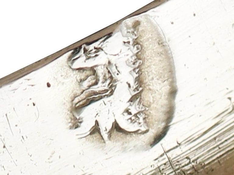 1705 Antique Britannia Standard Silver Chocolate Pot For Sale 6