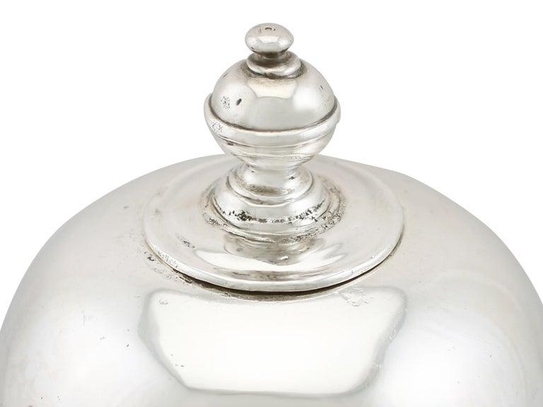 1705 Antique Britannia Standard Silver Chocolate Pot For Sale 1