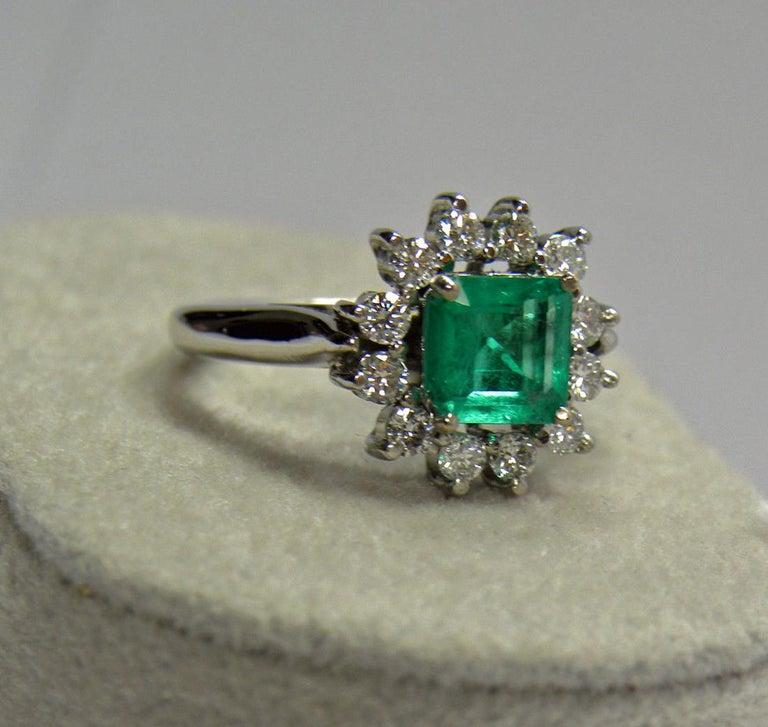 Women's 1.72 Carat Natural Fine Colombian Emerald Diamond Engagement Ring 18 Karat For Sale