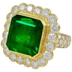 Certified 17.5 Carat Emerald Cut Colombian Emerald & Diamond 18 K Gold Ring