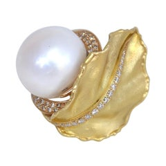 South Sea Pearl Diamonds 18 Karat Yellow Gold Floral Ring, 1970