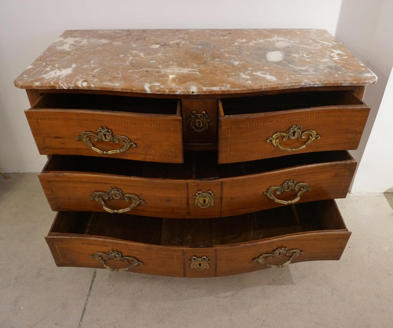 1770s Bow Front French Provincial Marquetry Commode in Solid Walnut & Marble Top For Sale 4