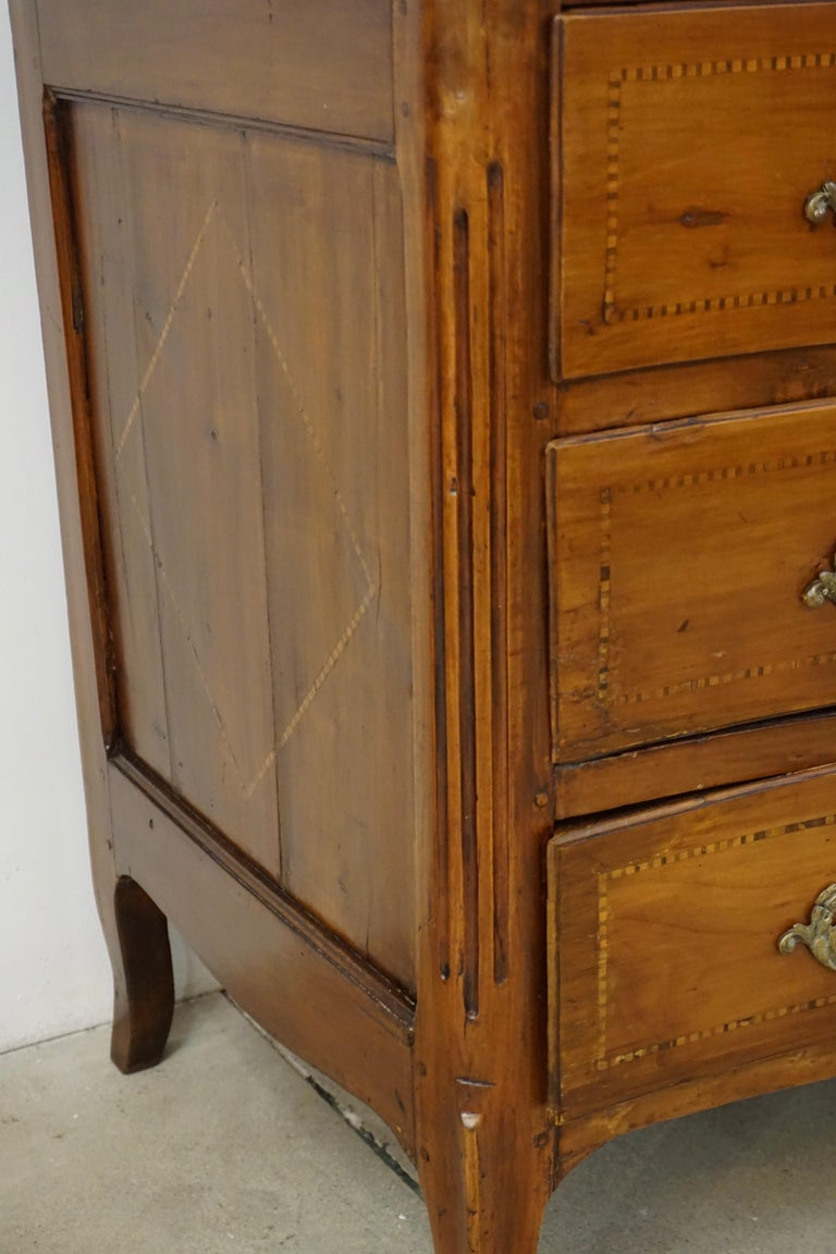 1770s Bow Front French Provincial Marquetry Commode in Solid Walnut & Marble Top For Sale 7