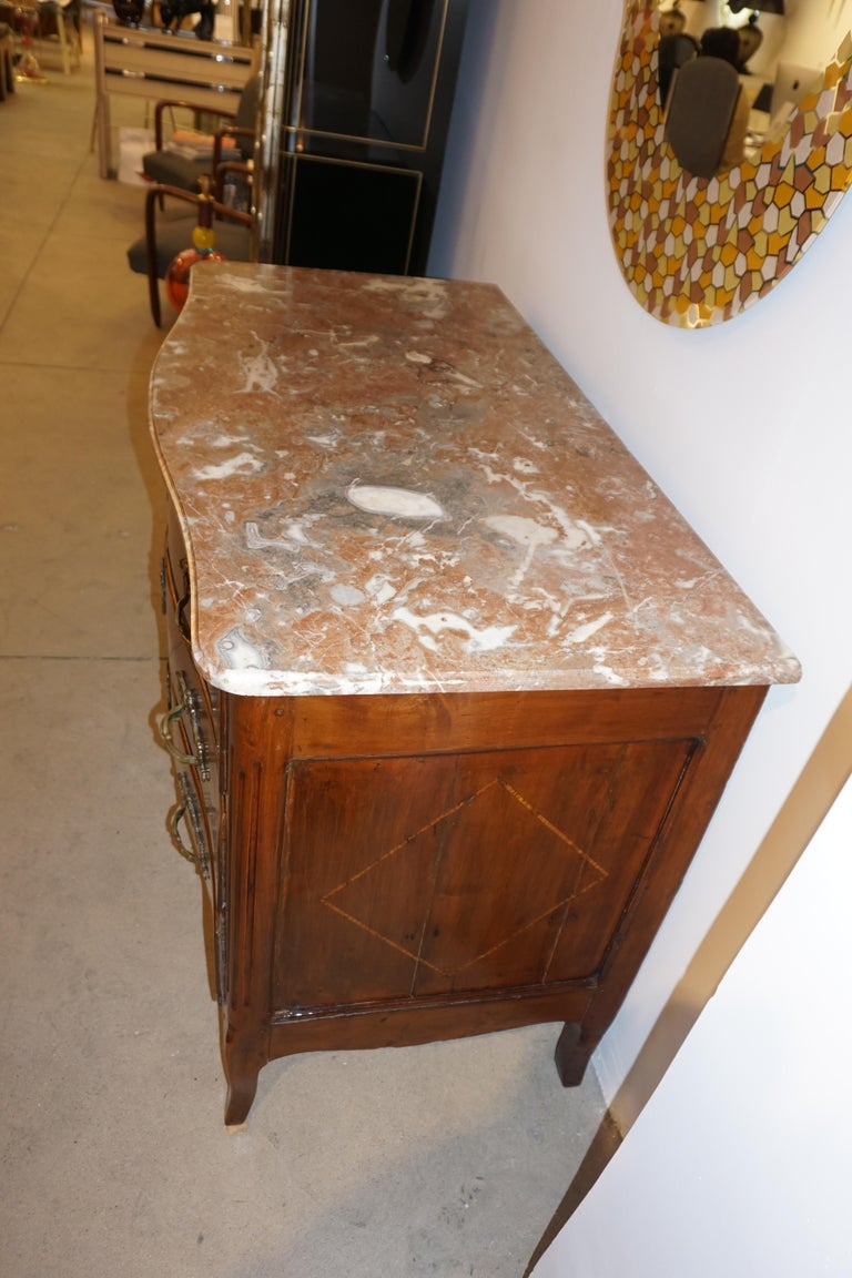 1770s Bow Front French Provincial Marquetry Commode in Solid Walnut & Marble Top For Sale 9