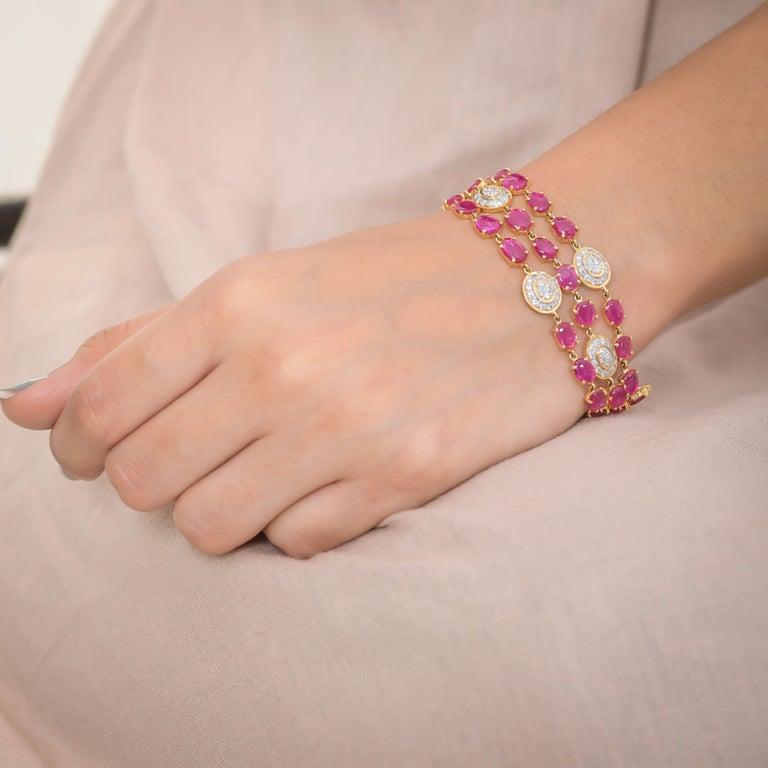 Modern 17.77 Carat Ruby Diamond 18 Karat Yellow Gold Bracelet For Sale