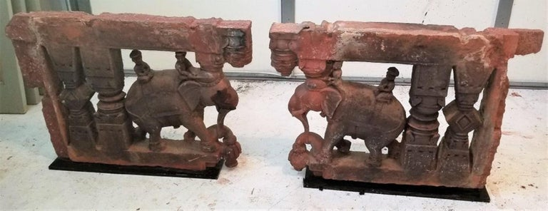 17th Century Pair of Brackets with Elephants and Mahuts For Sale 3