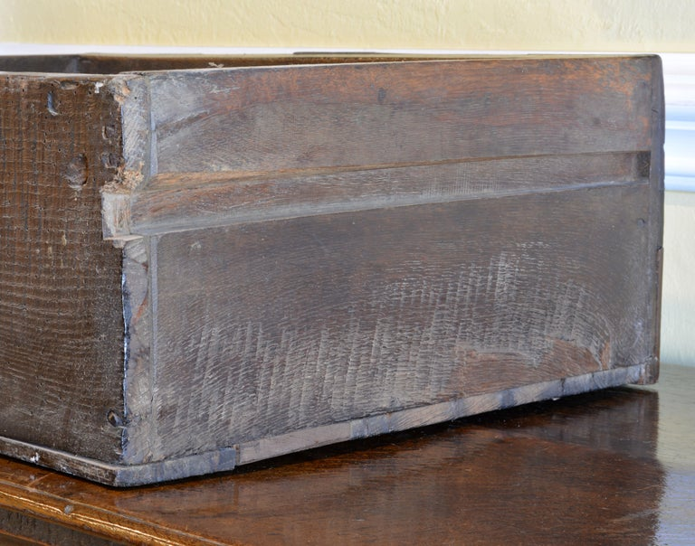 17th-18th Century English Jacobean Style Three-Drawer Oak Wood Dresser or Buffet 10