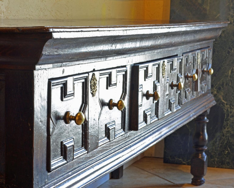 17th-18th Century English Jacobean Style Three-Drawer Oak Wood Dresser or Buffet For Sale 12