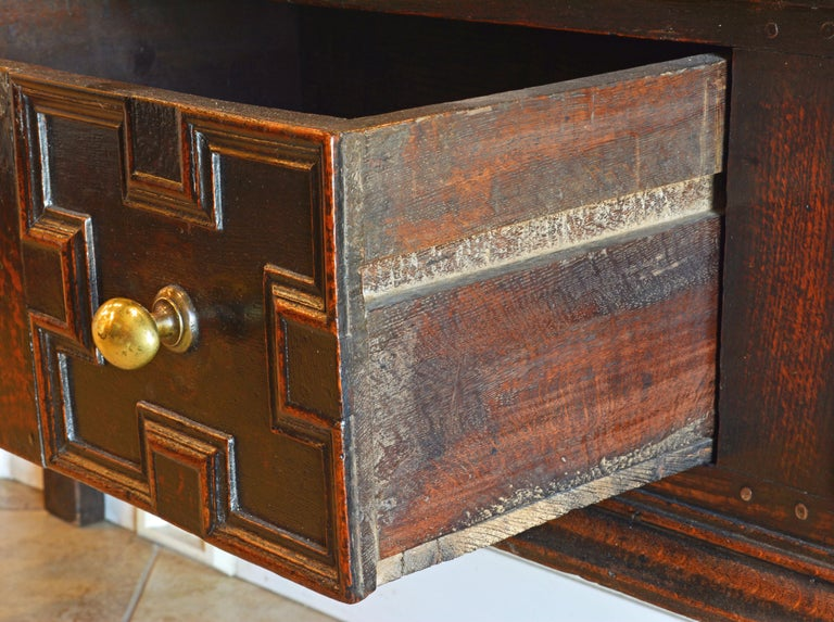 17th-18th Century English Jacobean Style Three-Drawer Oak Wood Dresser or Buffet For Sale 4