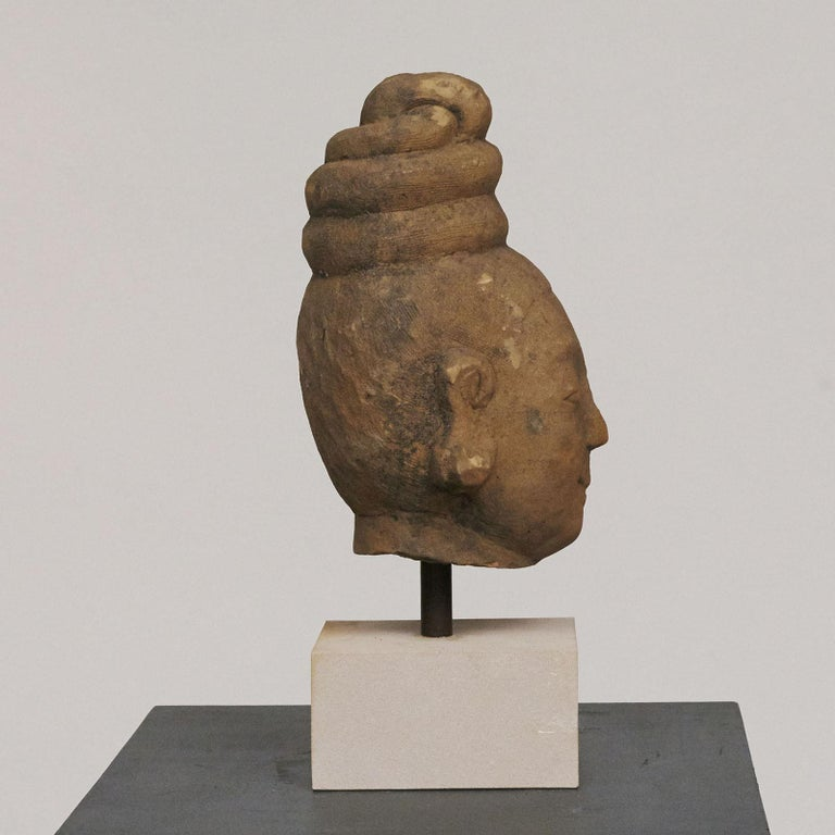 Hand-Carved 17th-18th Century Woman's Head, Carved in Sandstone For Sale