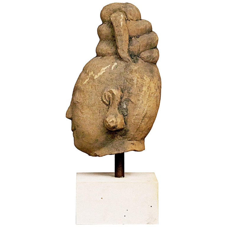 17th-18th Century Woman's Head, Carved in Sandstone For Sale